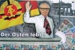 "Blechschild ""DDR - Der Osten lebt"""